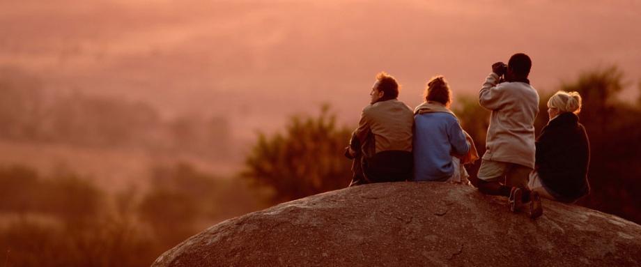 Sundowners at Lamai Camp