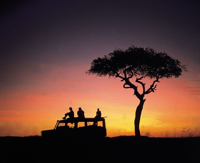 Sundowners on a Luxury Safari in the Masai Mara