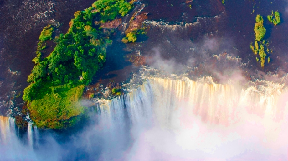 Visiting the Victoria Falls, Zambia