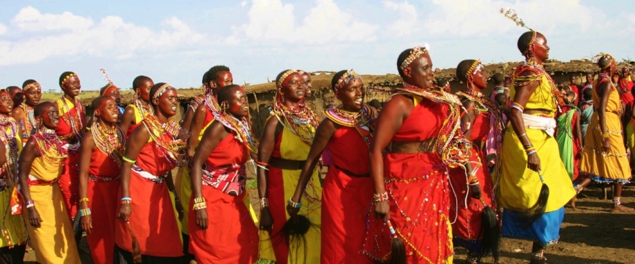 Meeting Maasai Ladies in the Masai Mara