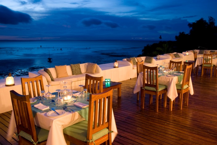 Rooftop dining at Ibo Island Lodge