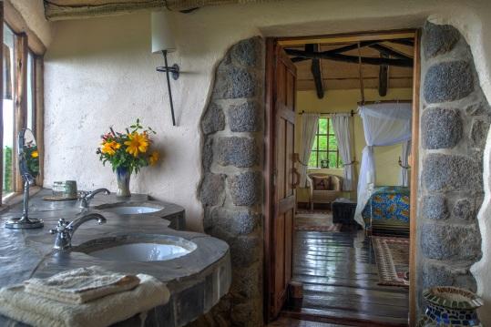 Virunga Lodge Bathroom