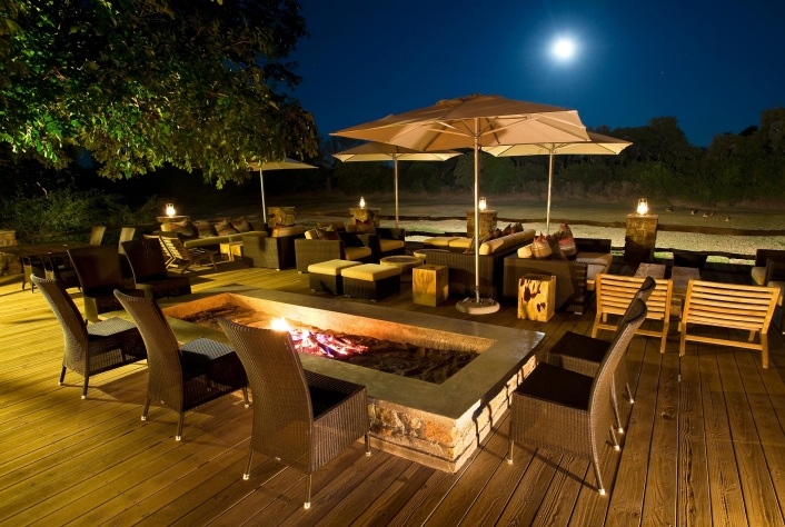 Mfuwe Lodge Deck