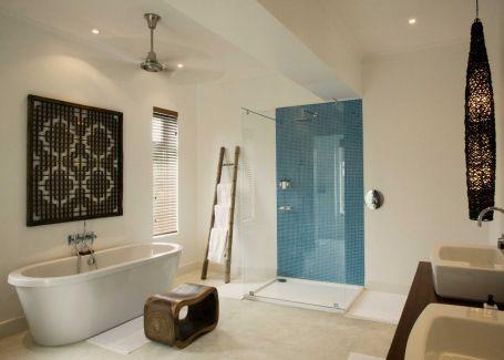 Bathroom at Oyster Bay