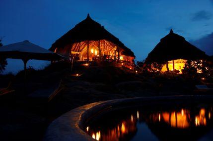 Mihingo Lodge at night