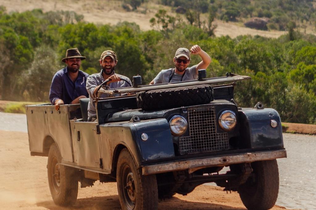 (c) Safari Series