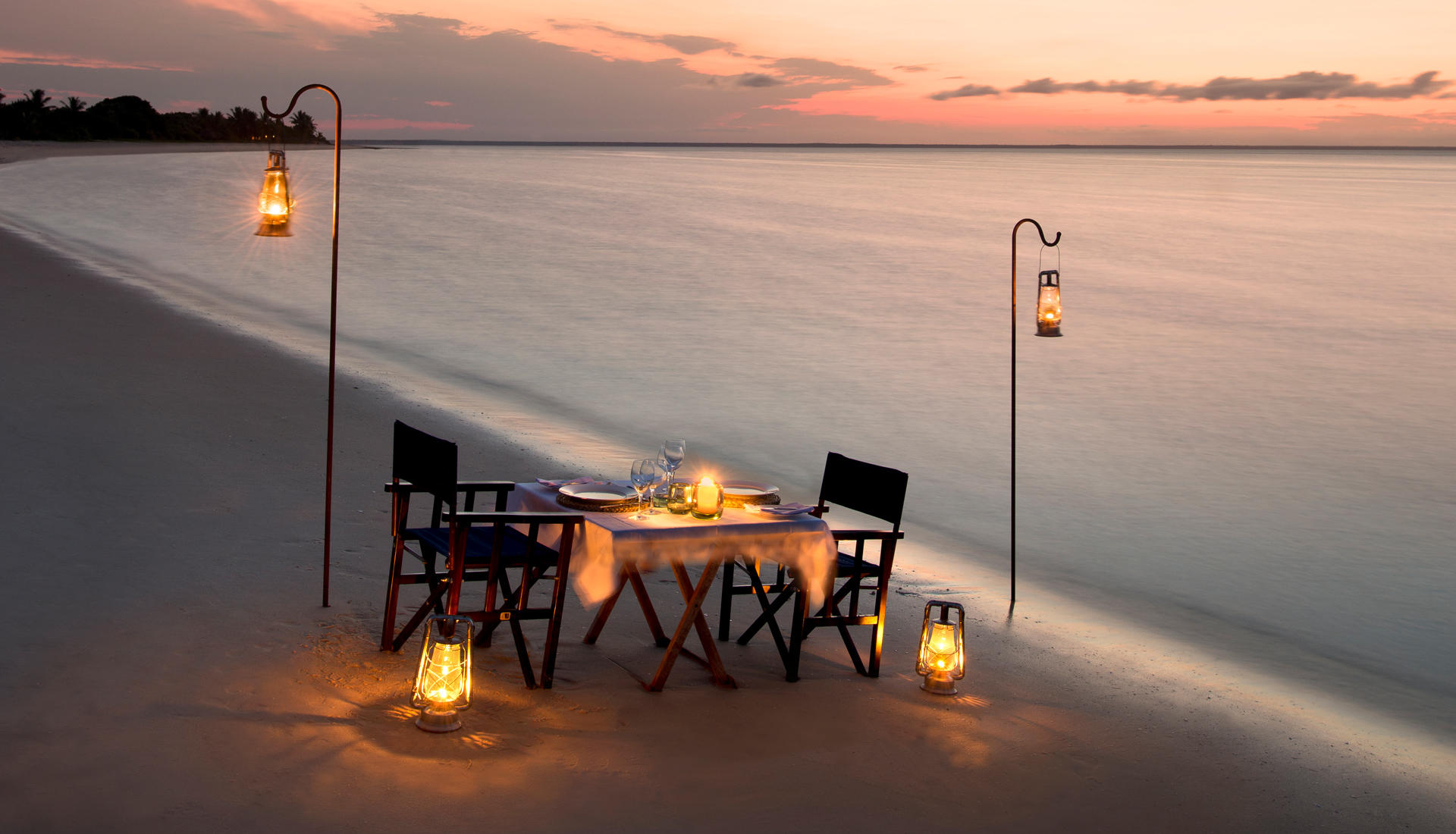 Beach dinner at Benguerra Lodge